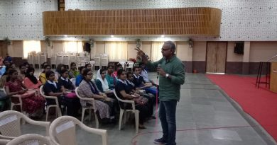 Mr. Rajagopalan P, Director UST Global, addressing the final year students attending the pooled placement drive at Vidya Academy of Science and Technology