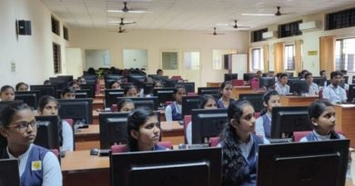 Students of SNVB School, Kodaly, attend workshop on AI and LED Star Assembly